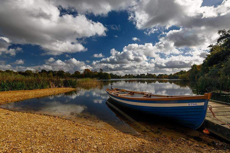 lake-holiday-with-boat-UK