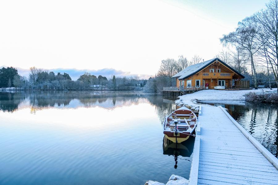 Winter-Log-Cabin-Breaks